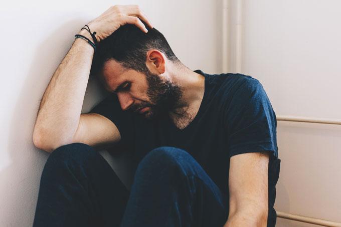 homem deprimido com ansiedade
